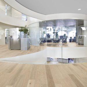 Admonter Landhausdiele Eiche WEISS basic - gebürstet, easy care geölt - Büroraum Beispiel 2