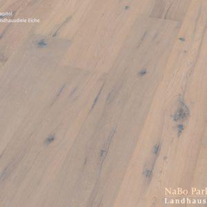 Eiche Antikdiele Capitol - NaBo Parkett Landhausdielen - gebürstet oder handgehobelt, gebürstet + weiß geölt - Perspektivansicht