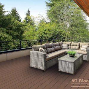 NT Floors WPC Terrassendielen - hellbraun gerillt