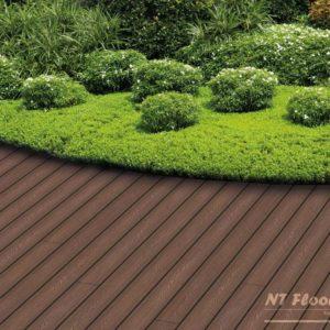 NT Floors WPC Terrassendiele Thermoeiche massiv - Holzstruktur - Ambiente