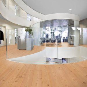 Douglasie Massivholzdielen Sortierung I/III nachsortiert - geschliffen, natur geölt - NaBo Parkett - Büro
