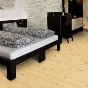 Kiefer Massivholzdielen A-Sortierung - geschliffen, natur geölt - NaBo Parkett - Wohnbeispiel Schlafzimmer
